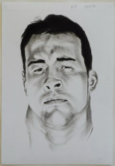 Self-David Rodriguez #28, charcoal and graphite on paper, 27x38cm